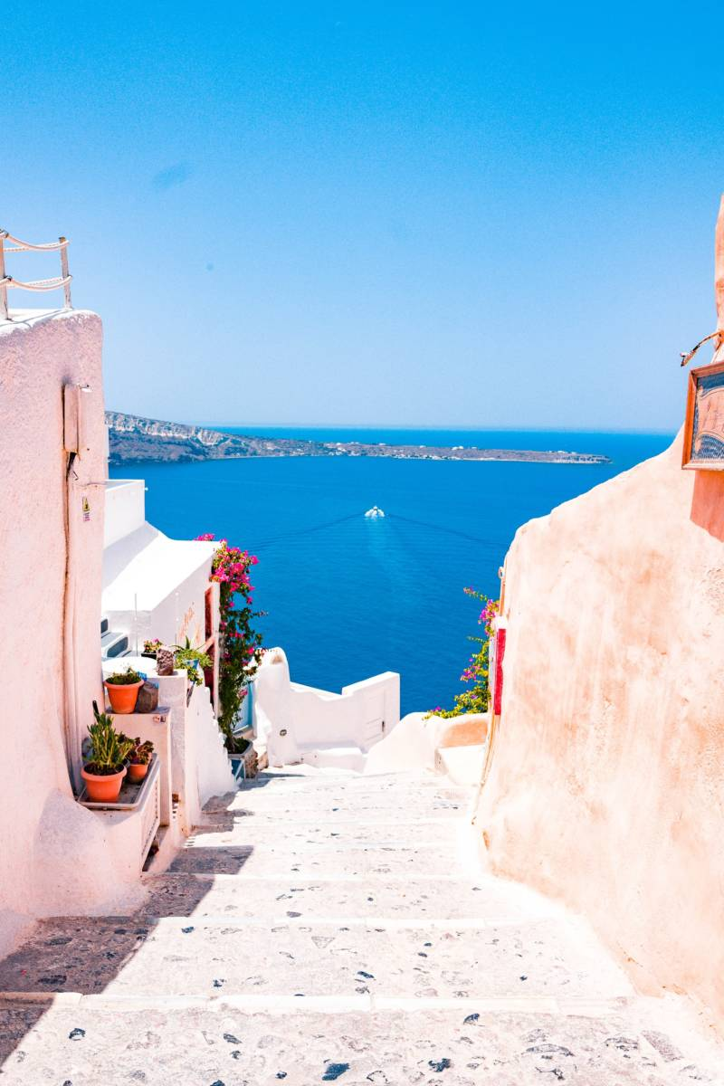 Cheap flights from Vienna, Austria to Mykonos, Greece for €40 return in August!