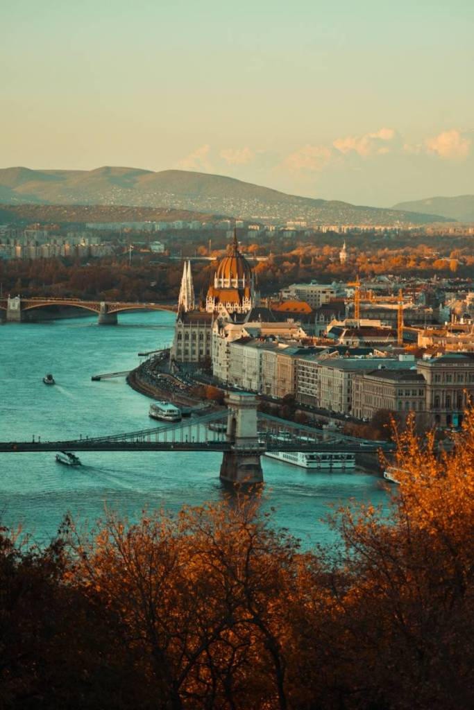 Flights from Paris to Budapest starting at €18 return! [May 2021]
