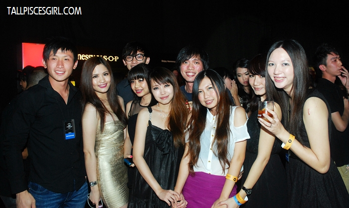 Group photo with fellow bloggers!