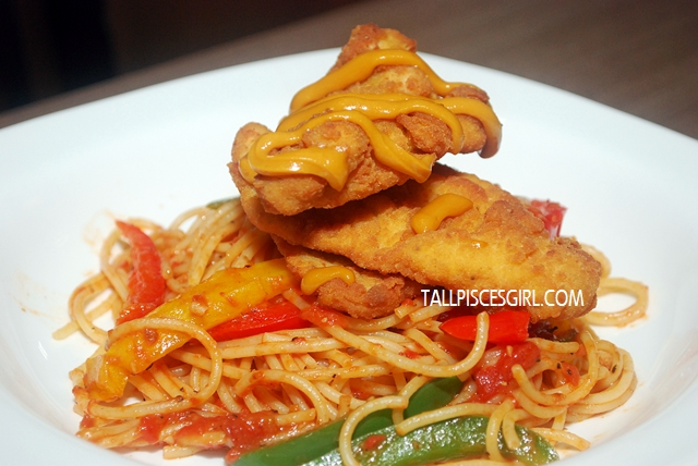 Fried Chicken Tenders with Cheezy Sauce & Spaghetti