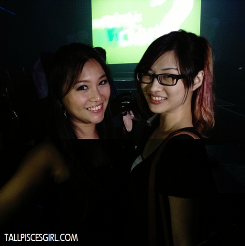 ...we took some photos! Here's Choulyin and Jennifer~~