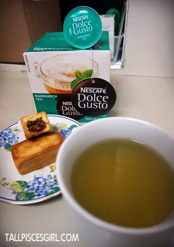 Gartien pineapple cake paired with green tea