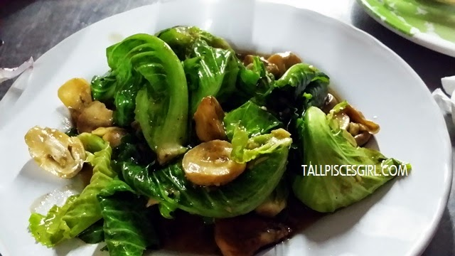 Stir Fried Chinese Kale with Oyster Sauce (60 baht)