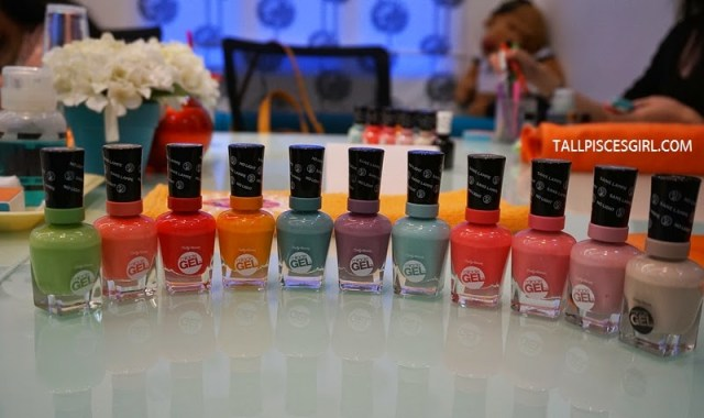 Sally Hansen Miracle Gel Range of Colors in Malaysia L-R: Wet My Thistle, Malibu Peach, Redgy, Short Cir-Cute, Grey Matters, Street Flair, B Girl, Pretty Piggy, Pinky Ring, Pinky Promise, Birthday Suit