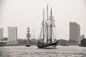 Dutch Schooner Oosterschelde, parading on the Thames