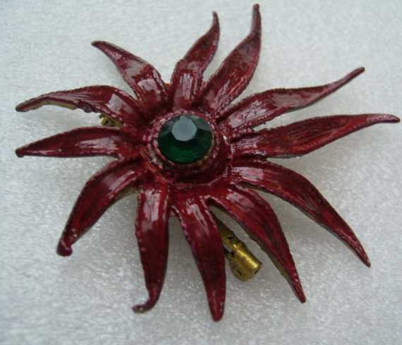 Vintage red enamel starfish pin/brooch - 1950's