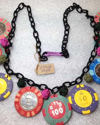 Vintage style poker chips gambling necklace - bakelite style