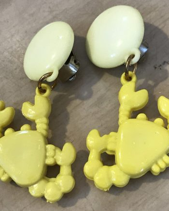Vintage 1980's plastic yellow crabs clip on earrings - Summer sale!