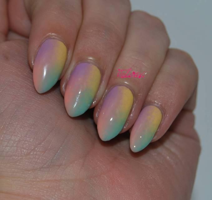 Multicoloured Gradient Nail Art