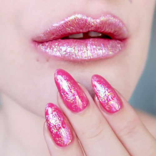Talonted Lips And Tips challenge: pink holographic foil