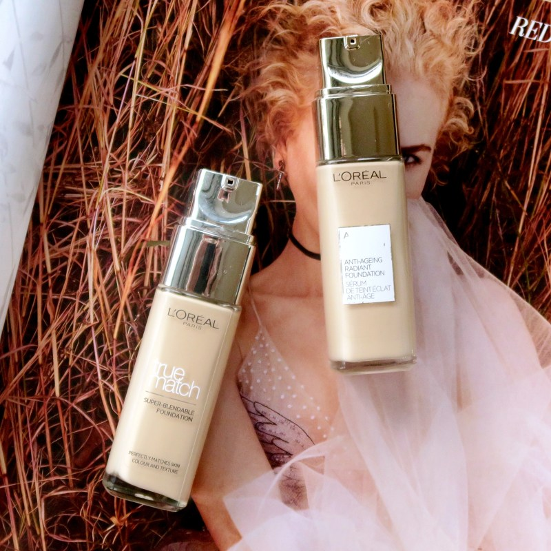 ROSACEA REVIEW: L'Oréal Paris Age Perfect foundation. How well does it cover my rosacea, how does it feel on the skin, how well does it last on my oily skin?
