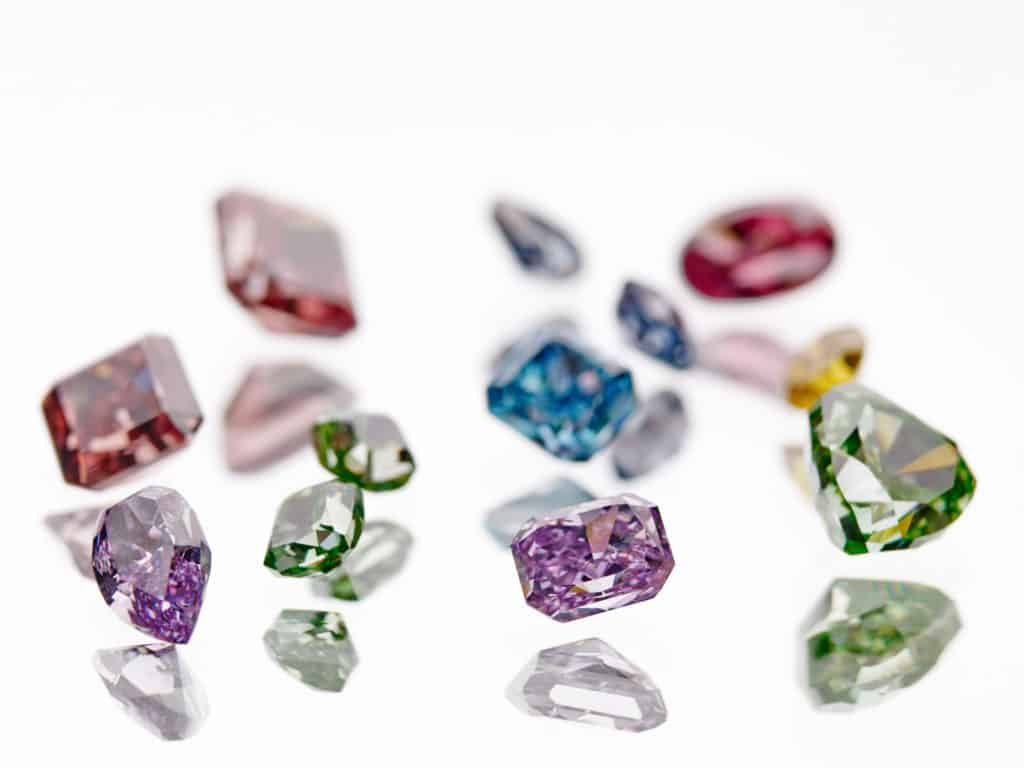 place to buy color diamonds
