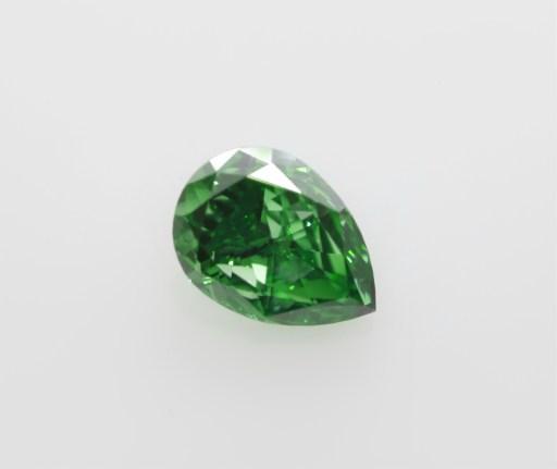 vivid green diamond gia