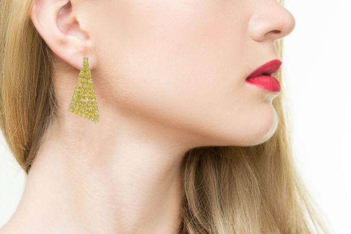 Wow Fine 19.10ct Fancy Yellow Diamonds Earrings 18K All Natural 13 Grams Gold
