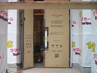 タマホームの防水シートがうっとうしい玄関