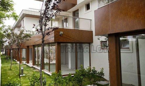 property_56f7b5213cb09