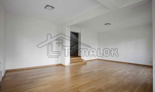 property_56f7b52bb0cf4
