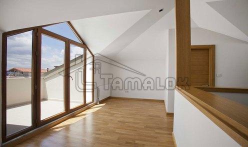 property_56f7b52fac2ca