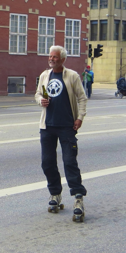 Rollerskating with a beer in hand - epic