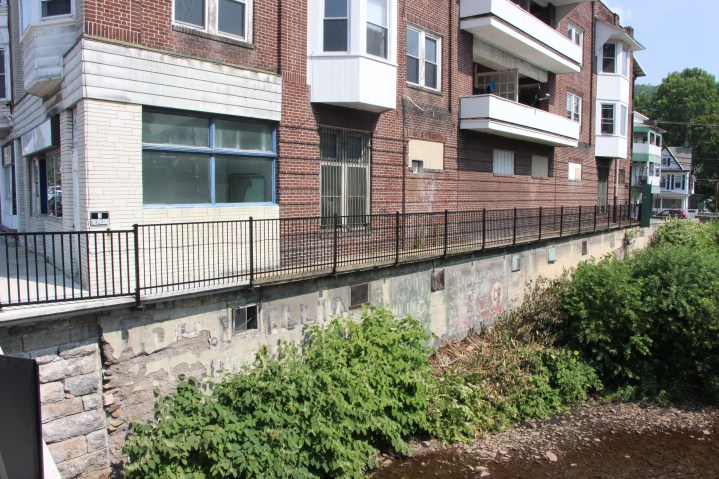 New Fence Along Little Schuylkill River, East Broad Street, Tamaqua2 (4)