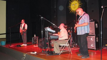 Bee's Knees Back to the 60's Rock Show, Tamaqua Community Arts Center, Tamaqua, 9-19-2015 (34)