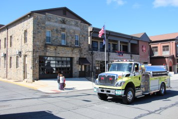 Parade for New Fire Station, Pumper Truck, Boat, Lehighton Fire Department, Lehighton (207)