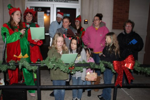 Coaldale Holiday Tree Lighting, Via C.H.O.S.E., Borough Hall, Coaldale, 11-29-2015 (10)