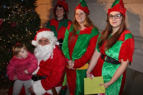 Coaldale Holiday Tree Lighting, Via C.H.O.S.E., Borough Hall, Coaldale, 11-29-2015 (60)