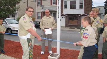 Peace Pole Dedication, Tamaqua Boy Scout, Train Station lot, Tamaqua, 9-21-2015 (15)