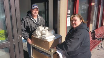 Thanksgiving Day Meal, Deliveries, Tamaqua Salvation Army, Tamaqua, 11-26-2015 (1)
