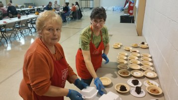 Thanksgiving Day Meal, Deliveries, Tamaqua Salvation Army, Tamaqua, 11-26-2015 (8)