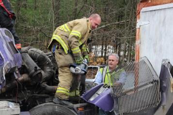 Tractor Trailer Overturns, US209, SR93, Nesquehoning, 11-5-2015 (13)