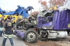 Tractor Trailer Overturns, US209, SR93, Nesquehoning, 11-5-2015 (60)