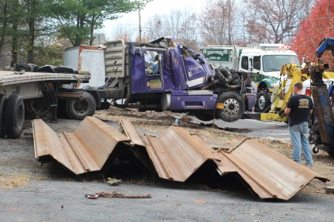 Tractor Trailer Overturns, US209, SR93, Nesquehoning, 11-5-2015 (74)
