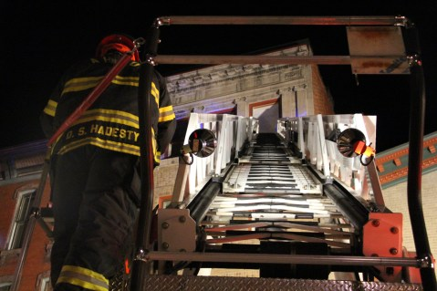 Apartment Building Fire, 45 West Broad Street, Tamaqua, 12-19-2015 (186)