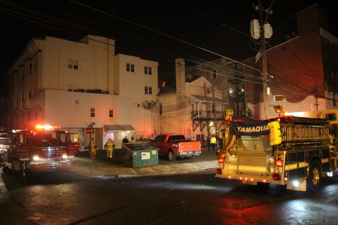 Apartment Building Fire, 45 West Broad Street, Tamaqua, 12-19-2015 (34)