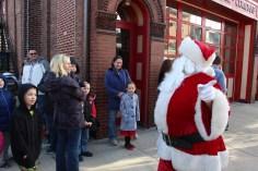 Santa Claus Stops at American Hose Company, Tamaqua, 12-20-2015 (13)