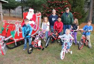 Santa Claus Visits Dam, Festival at Owl Creek, Tamaqua, 12-12-2015 (44)