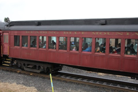 Santa Train Rides, via Tamaqua Historical Society, Train Station, Tamaqua, 12-19-2015 (132)