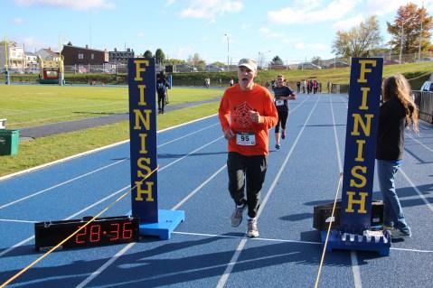 SubUrban 5k Run, Memory of Thelma Urban, TASD Sports Stadium, Tamaqua, 10-17-2015 (275)