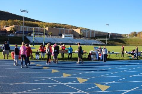 SubUrban 5k Run, Memory of Thelma Urban, TASD Sports Stadium, Tamaqua, 10-17-2015 (9)