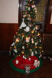 Tree Festival, Voting, Tamaqua Community Arts Center, Tamaqua, 12-4-2015 (39)