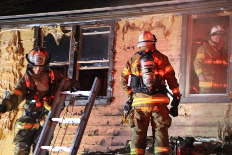 structure-fire-174-claremont-avenue-hometown-2-1-2017-109