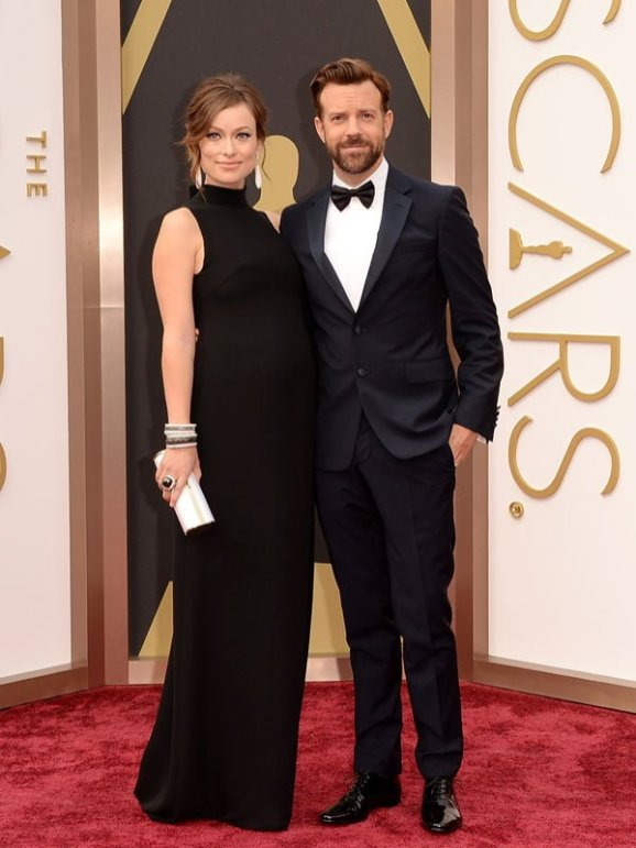 Olivia Wilde (wearing Maison Valentino) & Jason Sudeikis