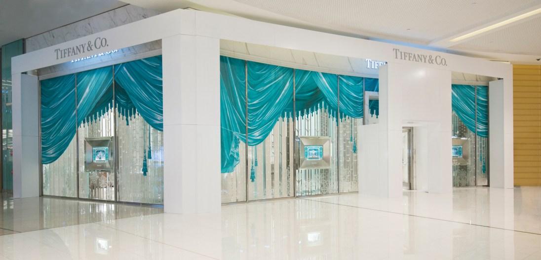 Tiffany & Co Dubai Mall Festive Window