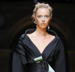 Winter 2016 - Makeup by Versace - Paris Couture Week