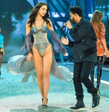 The Weeknd serenading Bella Hadid - Victoria's Secret Fashion Show - Paris 2016