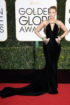 Blake Lively in Versace Golden Globes 2017