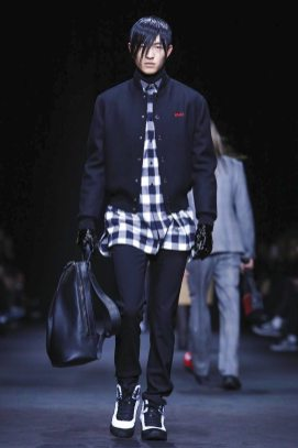 Versace Menswear F/W 2017 Milan 1