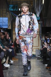 Moschino Menswear F/W 2017 Milan 11